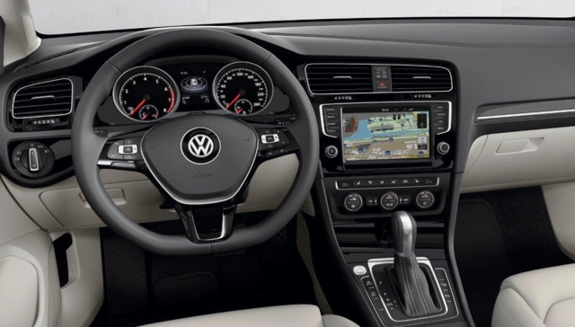 Sobre Volkswagen Golf Variant 90149_1