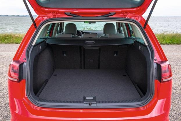 Sobre Volkswagen Golf Variant 90151_1
