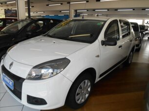 Super Oferta: Renault Sandero Authentique 1.0 16V (flex) 2013/2014 4P Branco Flex