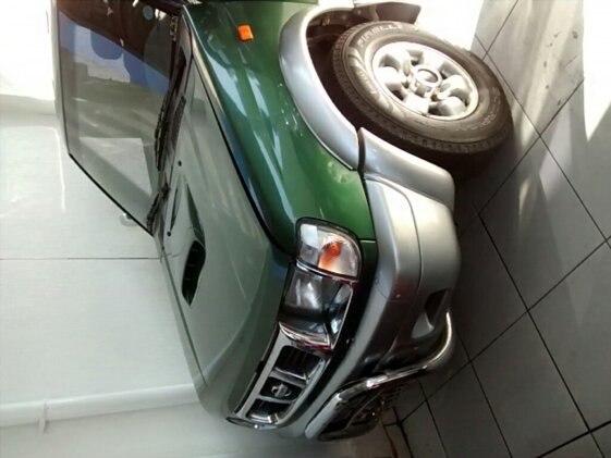 NISSAN FRONTIER XE 4X4 2.8  CAB. DUPLA