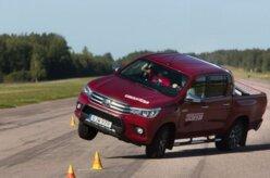 Toyota Hilux recebe mudanças e passa no teste do alce