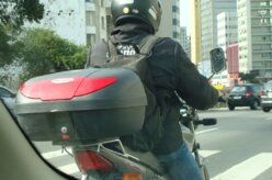 Comissão aprova lei que libera motos no corredor