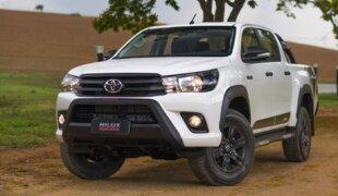 Toyota Hilux lidera entre picapes as médias em novembro