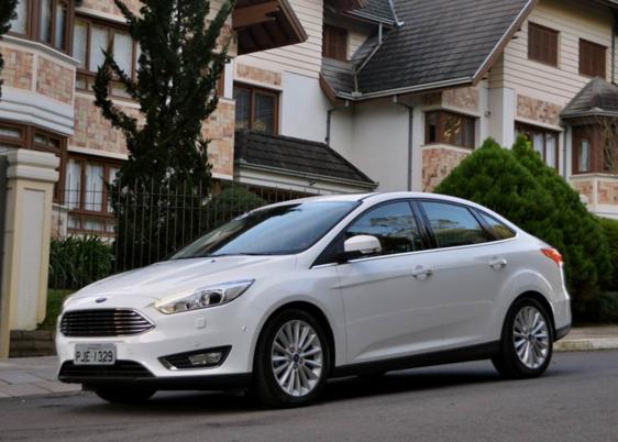 Ford Focus Sedan Anium Plus 2 0 Shift 2016 Images