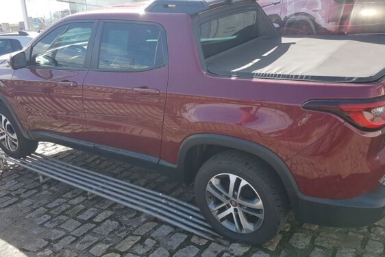 FIAT TORO FREEDOM 2.4 TIGERSHARK AT9  FLEX